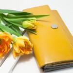 母の日のプレゼントで財布を50代60代に贈るなら?人気のブランドは?