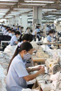 新しい服 洗濯 工場