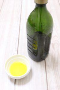 オリーブオイルの使い方や種類とレシピ